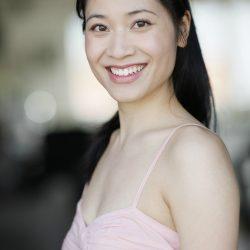 Book Comédienne Asiatique Geneviève Doang